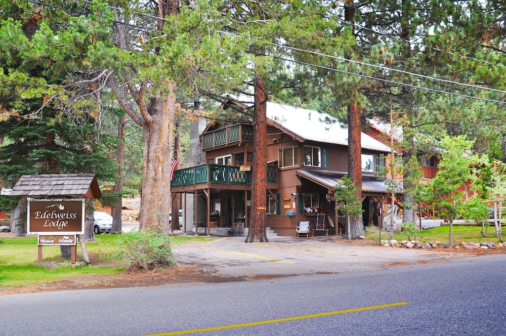 Exterior, Edelweiss Lodge