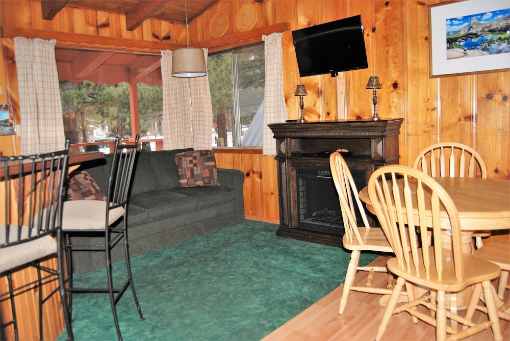 Living Area, Edelweiss Lodge