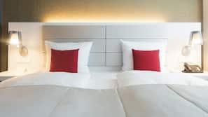 Daunenbettdecken, Zimmersafe, Schreibtisch, Bügeleisen/Bügelbrett