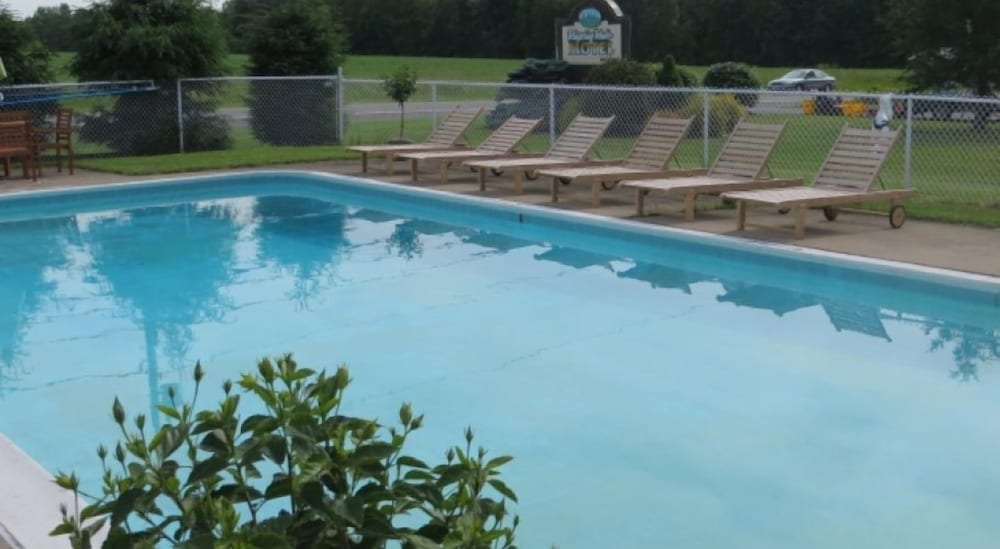 Outdoor Pool, Whispering Winds Motel