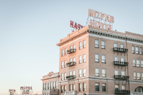 Check Expedia for Availability of Mizpah Hotel