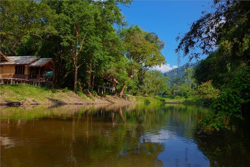 Khao Sok Riverside Cottage