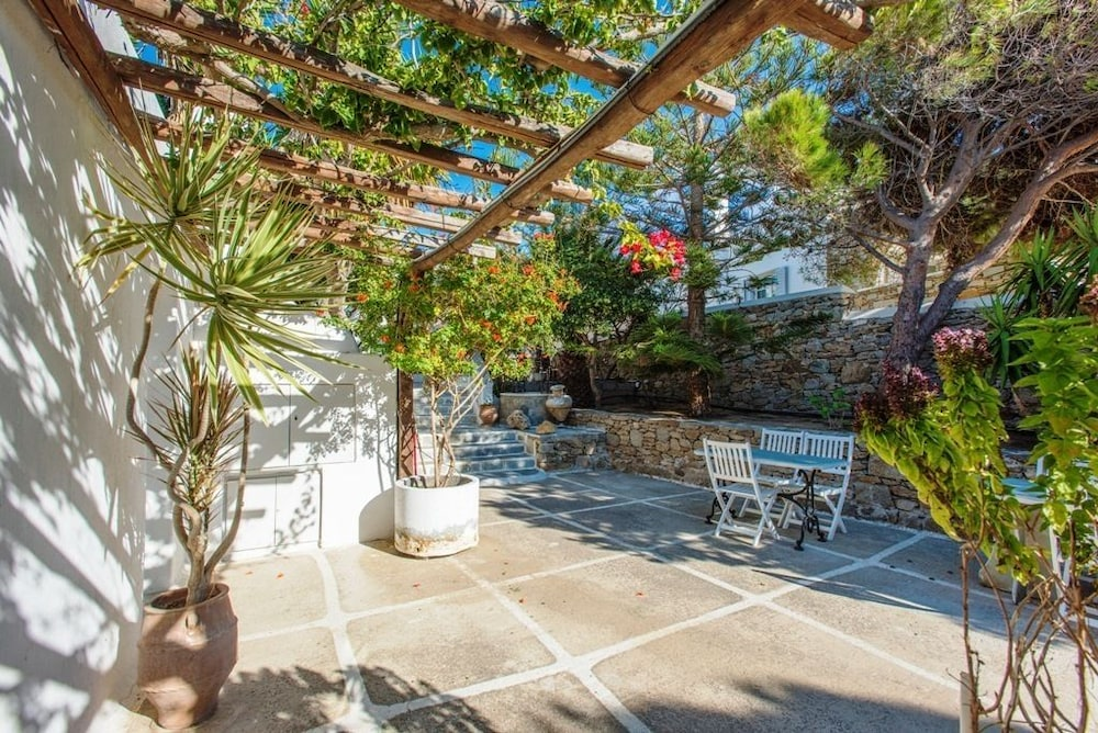 Vista Vaios Rooms Studios Pension In Mykonos Hotel Rates