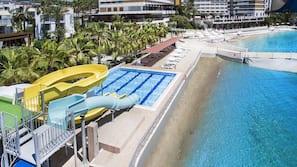 Plage, beach-volley, voile, canoë