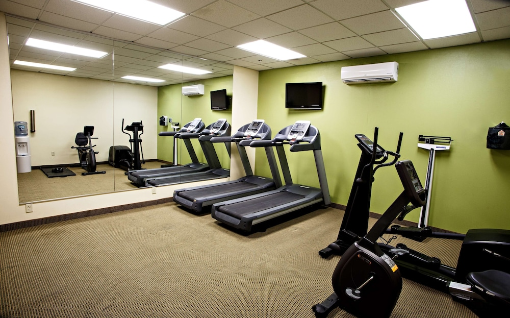 Fitness Facility, Country Inn & Suites by Radisson, Harrisburg West, PA