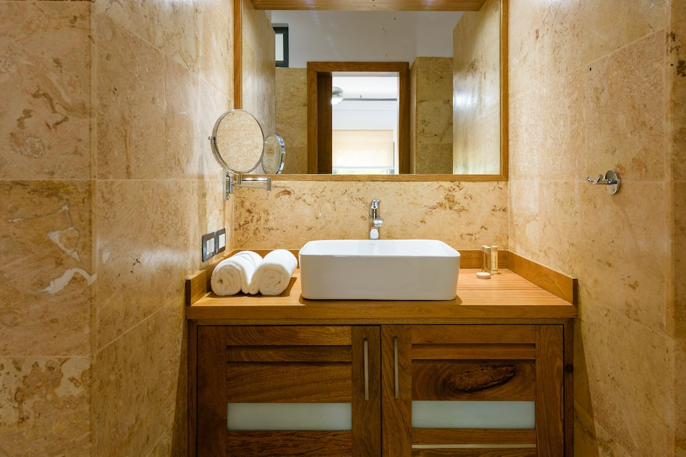 Bathroom Sink, Aligio Aparthotel & Spa