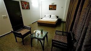 Premium bedding, minibar, rollaway beds, free WiFi
