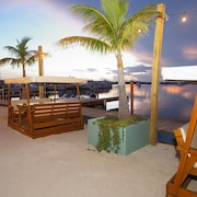 Mangrove Marina and Resort Aqualodge Houseboats