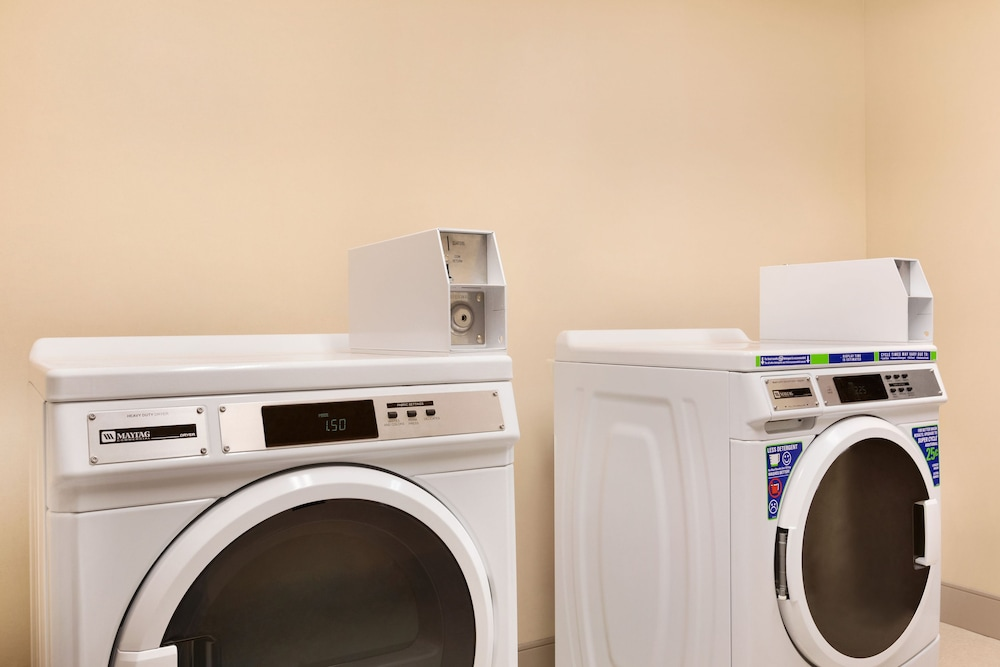 Laundry, Four Points by Sheraton Fargo Medical Center