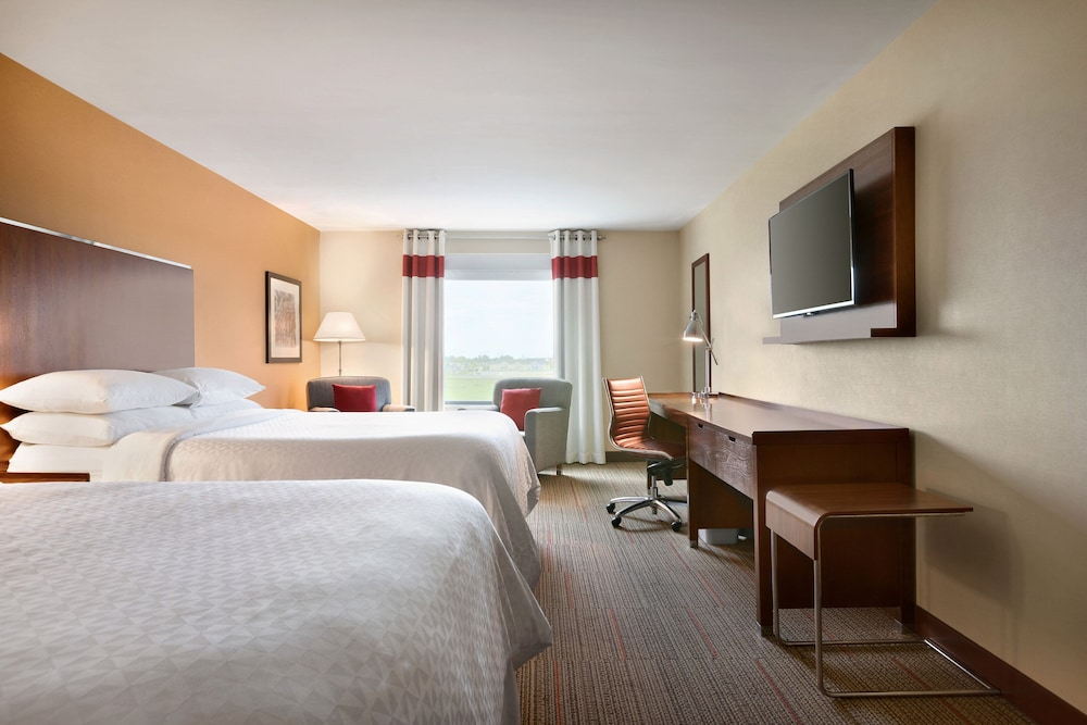 Room, Four Points by Sheraton Fargo Medical Center