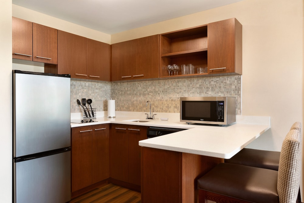 Private Kitchen, Four Points by Sheraton Fargo Medical Center