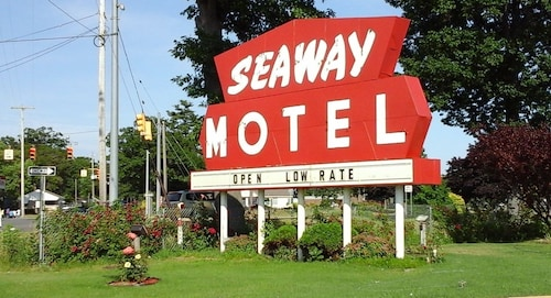 Great Place to stay Seaway Motel near Muskegon