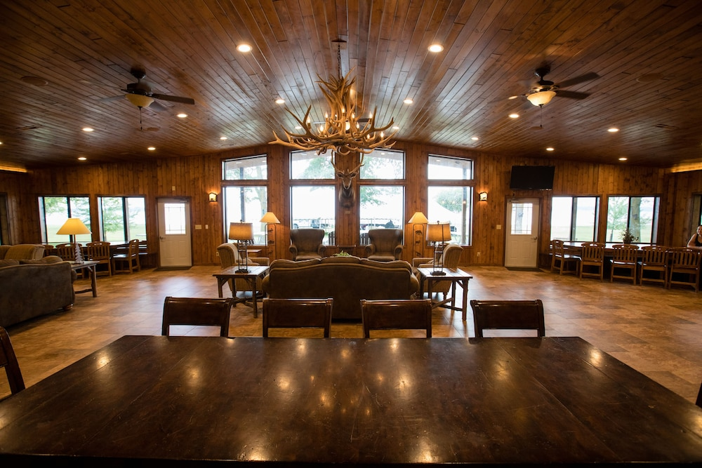 Living Area, Lewis and Clark Resort