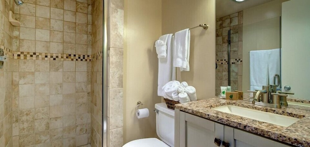Bathroom, Beachwalk Villas