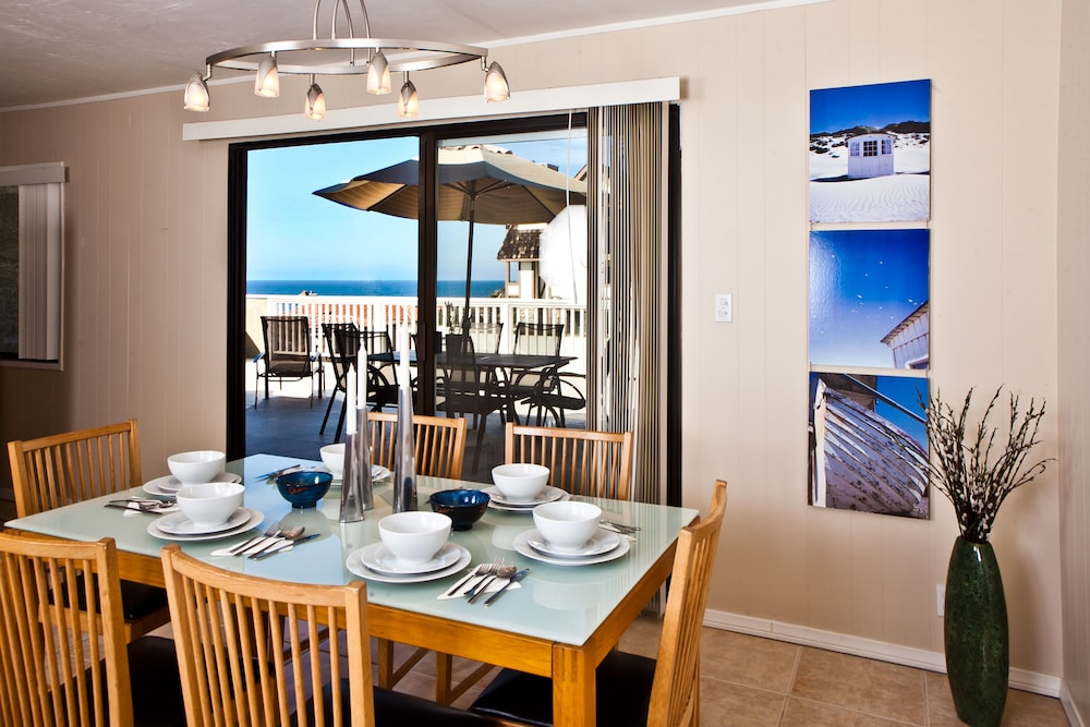 In-Room Dining, Beachwalk Villas