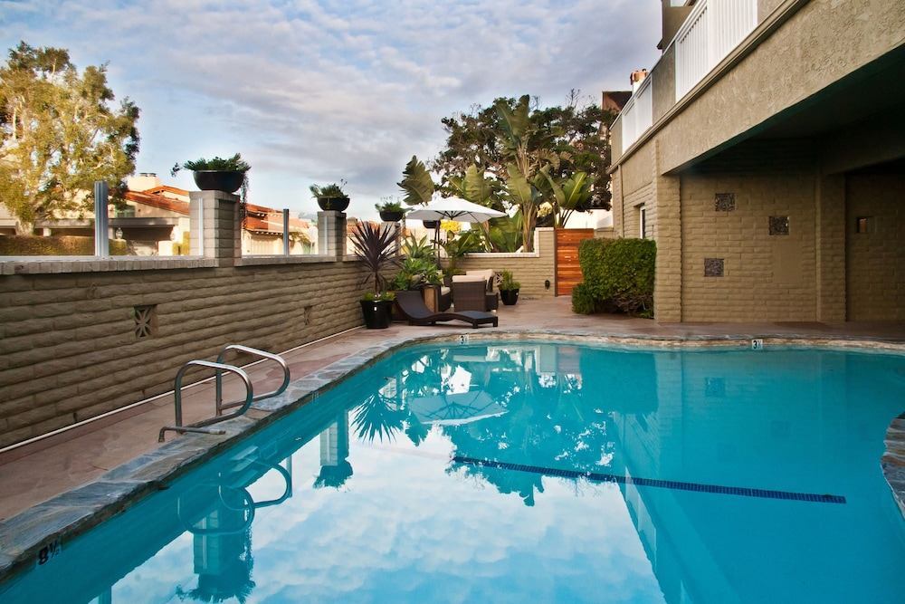 Outdoor Pool, Beachwalk Villas