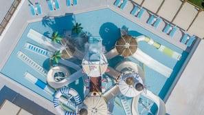 5 buitenzwembaden, parasols voor strand/zwembad