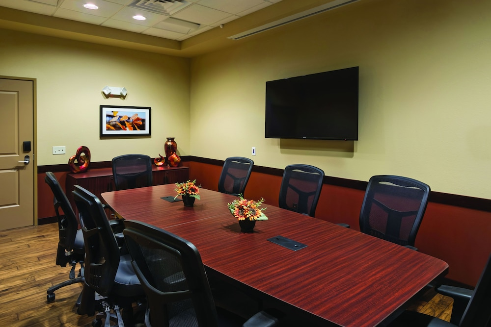 Meeting Facility, ClubHouse Hotel & Suites - Fargo