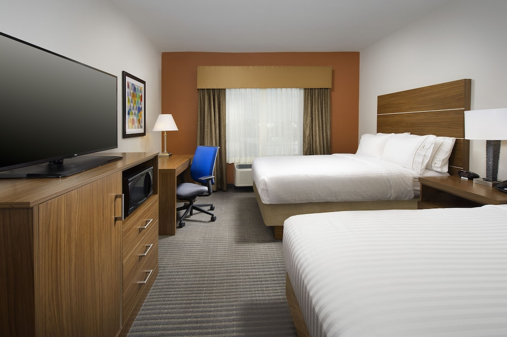 Room, Holiday Inn Express & Suites Bay City