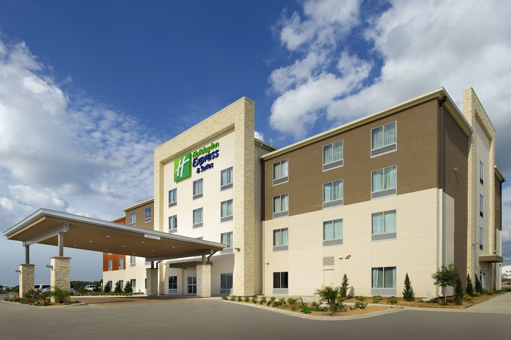 Exterior, Holiday Inn Express & Suites Bay City