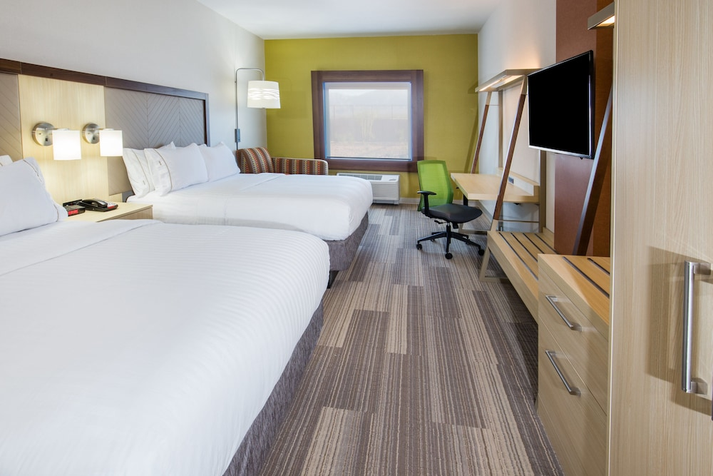 Room, Holiday Inn Express & Suites Pahrump