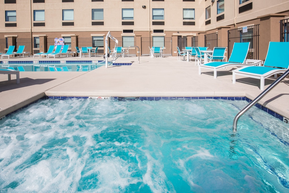 Pool, Holiday Inn Express & Suites Pahrump
