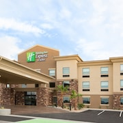 Holiday Inn Express & Suites Pahrump