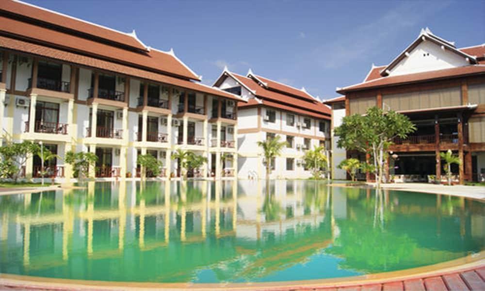 Book xishuangbanna hotel laos luang prabang luang for Laos hotels 5 star