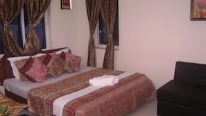Premium bedding, desk, rollaway beds, free WiFi