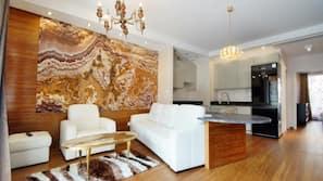 Sengetøy av topp kvalitet, safe på rommet og individuelt dekorert
