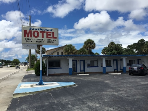Great Place to stay Southwind Motel near Stuart