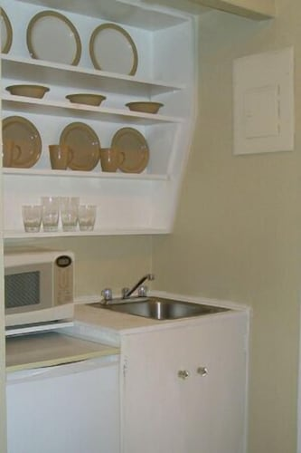 Private Kitchenette, Incentra Village Guest House