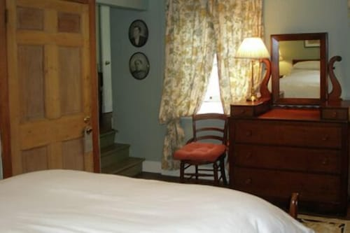 Room, Incentra Village Guest House