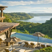 Papagayo Luxury