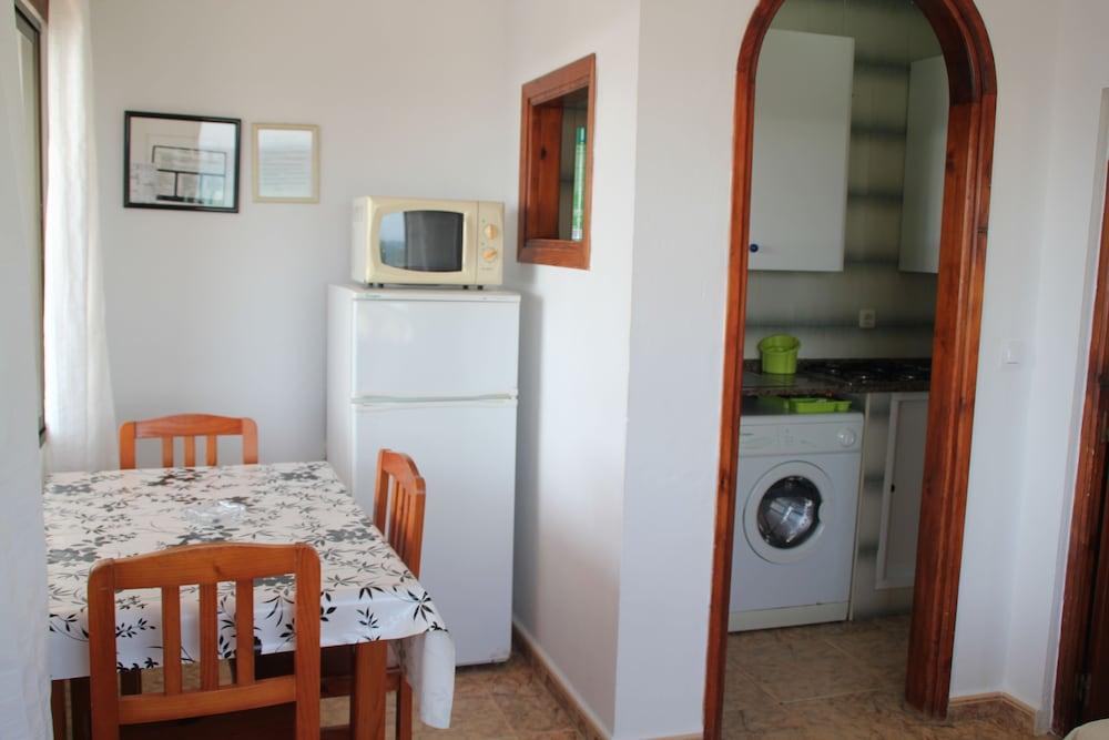 Apartamentos miramar deals reviews tarifa esp wotif - Apartamentos miramar bolonia ...