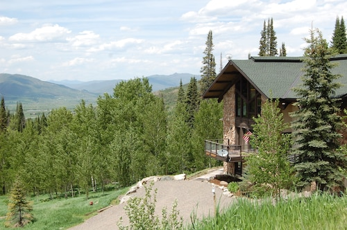 Great Place to stay Aspen View Lodge near Steamboat Springs