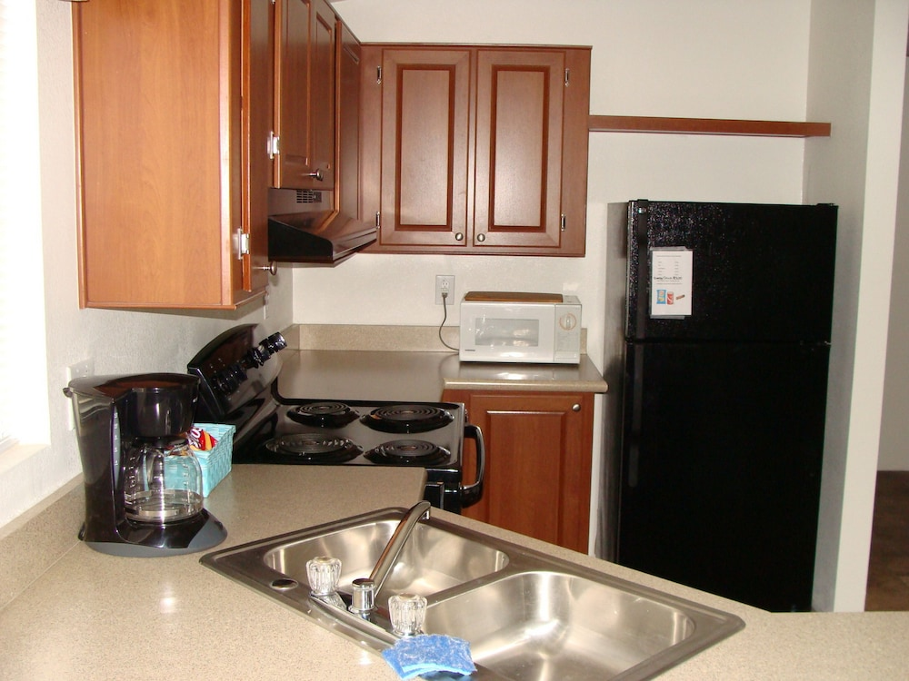 Private Kitchen, Freedom Acres Lifestyle (Swinger) Resorts - Adults Only