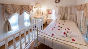 1 bedroom, premium bedding, in-room safe, free cribs/infant beds