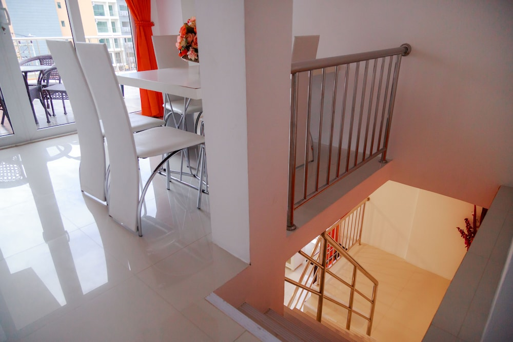대표 사진 (Suite One Bedroom 202)