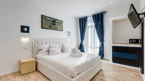 1 bedroom, Frette Italian sheets, premium bedding, down duvets