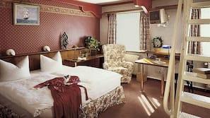 Minibar, Zimmersafe, Bügeleisen/Bügelbrett, kostenpflichtige Babybetten