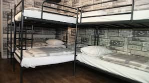 1 bedroom, in-room safe, desk, free WiFi