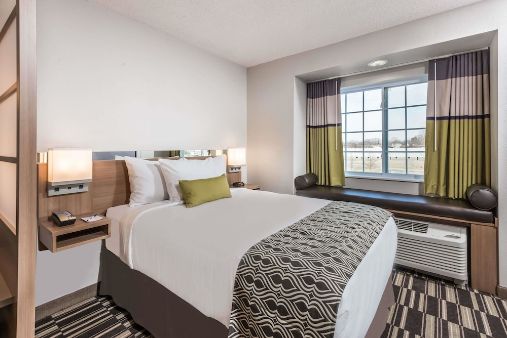 Room, Microtel Inn & Suites By Wyndham Beaver Falls