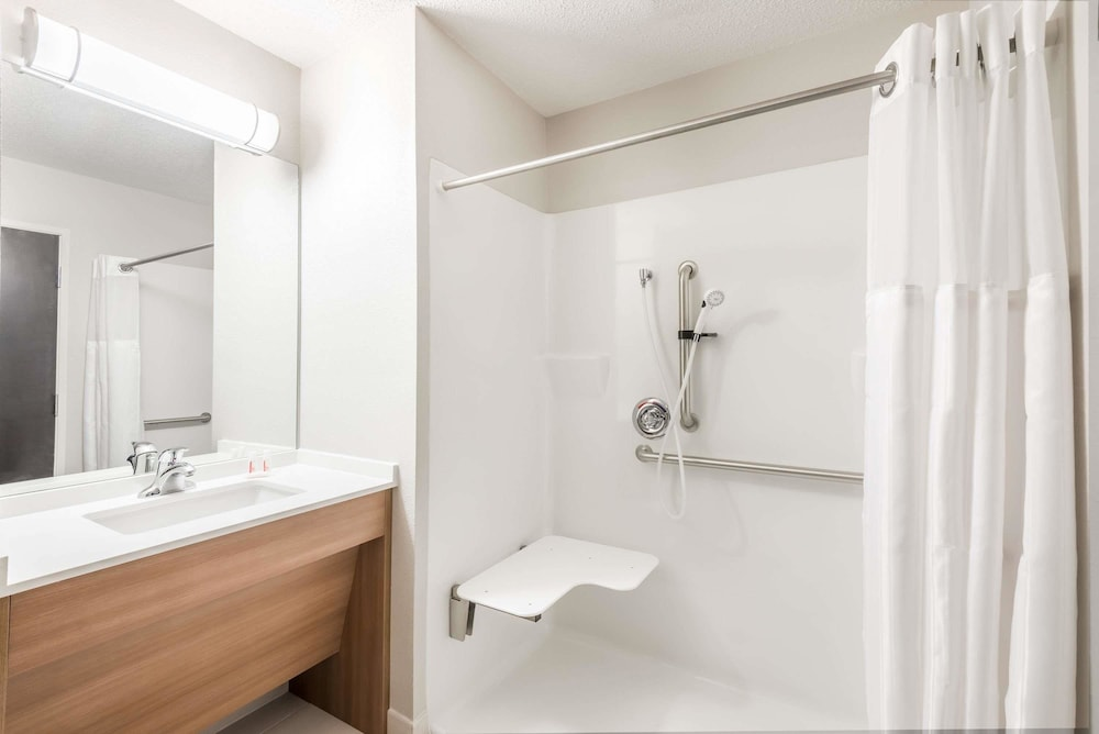 Bathroom, Microtel Inn & Suites By Wyndham Beaver Falls