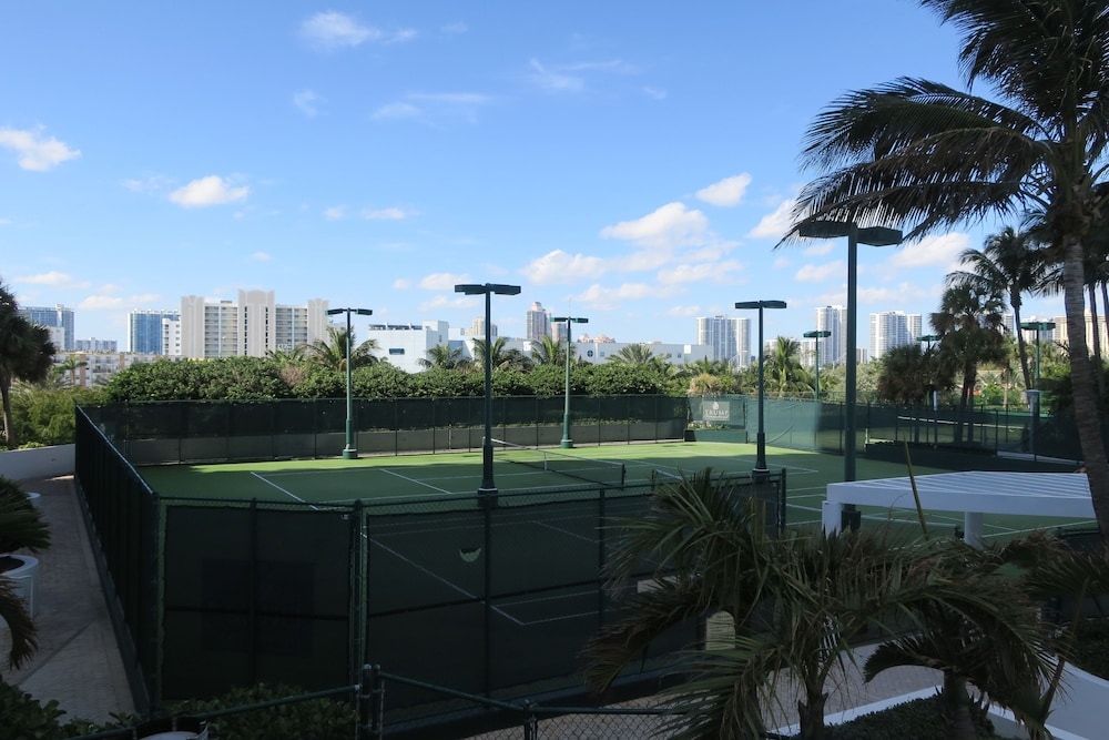 Tennis Court, Private Ocean Condos at Trump Sunny Isles
