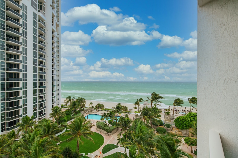 Beach/Ocean View, Private Ocean Condos at Trump Sunny Isles