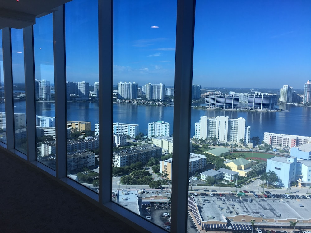 Meeting Facility, Private Ocean Condos at Trump Sunny Isles