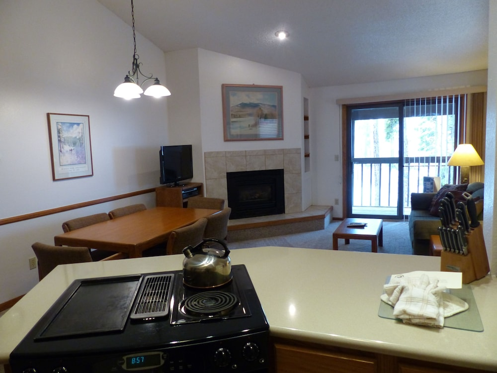 Private Kitchen, Indian Peaks Resort