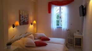 In-room safe, free cribs/infant beds