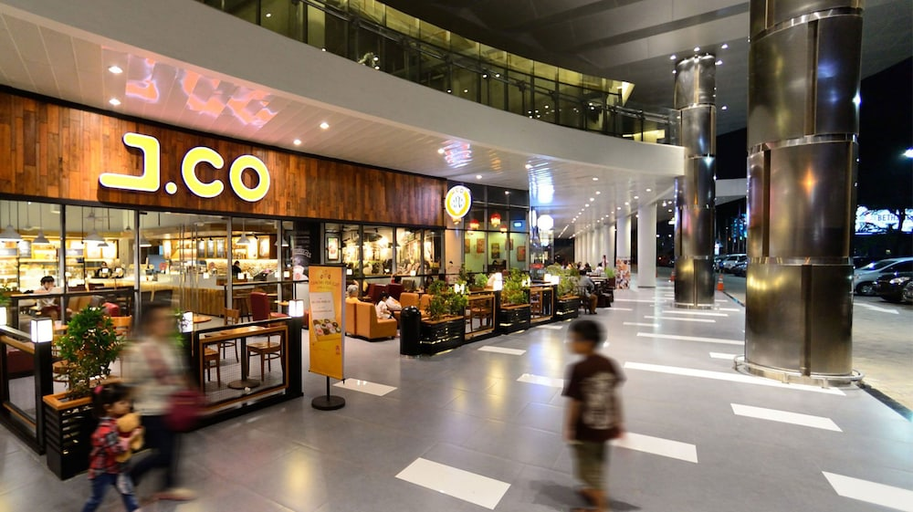 Zest Hotel Airport Jakarta Tangerang Idn Airasiago